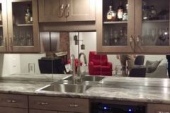 mirrored-backsplash